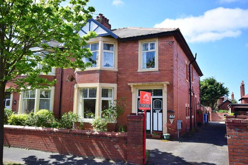 4 Bedrooms Semi Detached House for sale in Chatsworth Road, LYTHAM ST ANNES, FY8