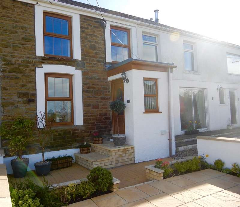 3 Bedrooms Terraced House for sale in Benson Terrace, Penclawdd, Swansea