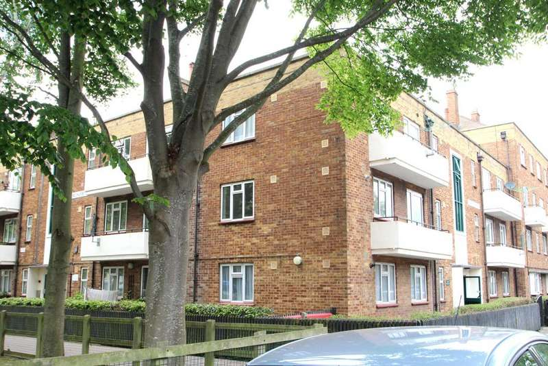 1 Bedroom Flat for sale in Selhurst House, Foster Road, Portsmouth PO1