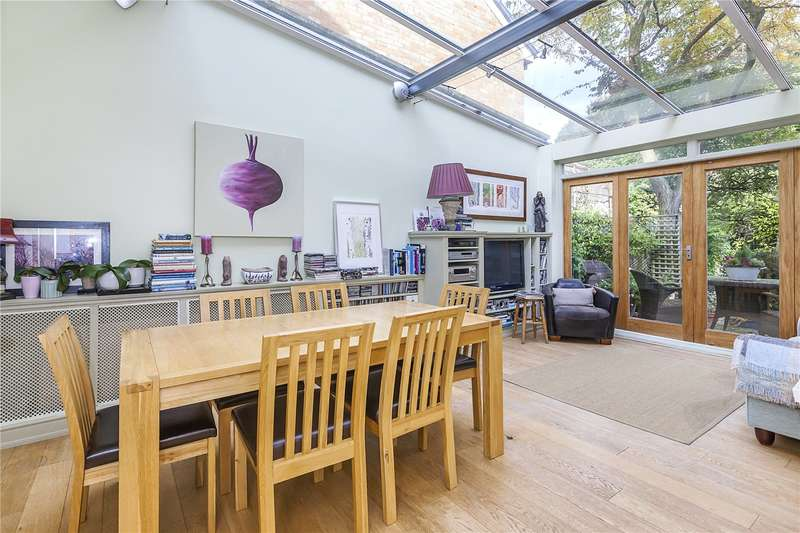 3 Bedrooms House for sale in Eaglesfield Road, London, SE18