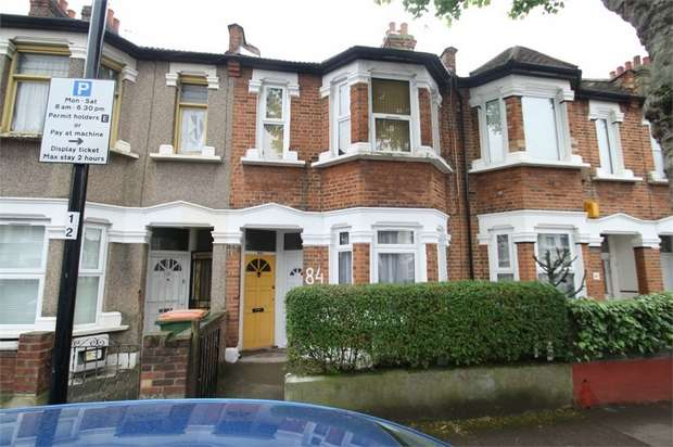 2 Bedrooms Flat for sale in Clements Road, East Ham, London