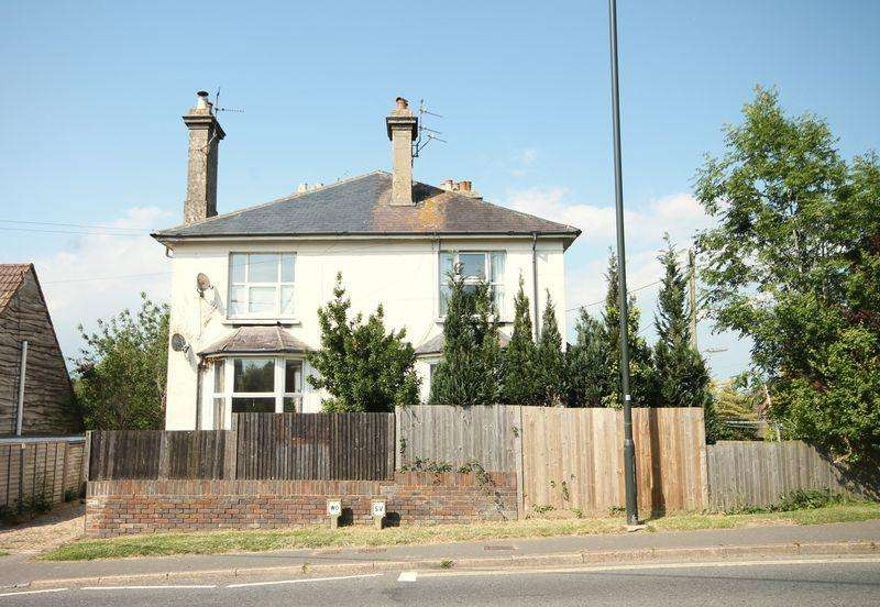 2 Bedrooms Apartment Flat for sale in Lewes Road, Scaynes Hill, West Sussex