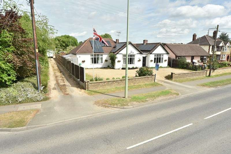 4 Bedrooms Detached Bungalow for sale in Kingsway, Mildenhall, Bury St. Edmunds
