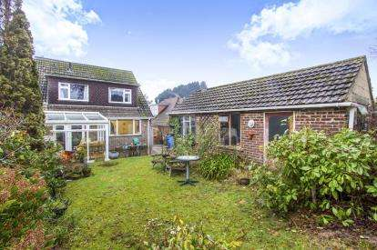 4 Bedrooms Detached House for sale in Hamworthy, Poole, Dorset
