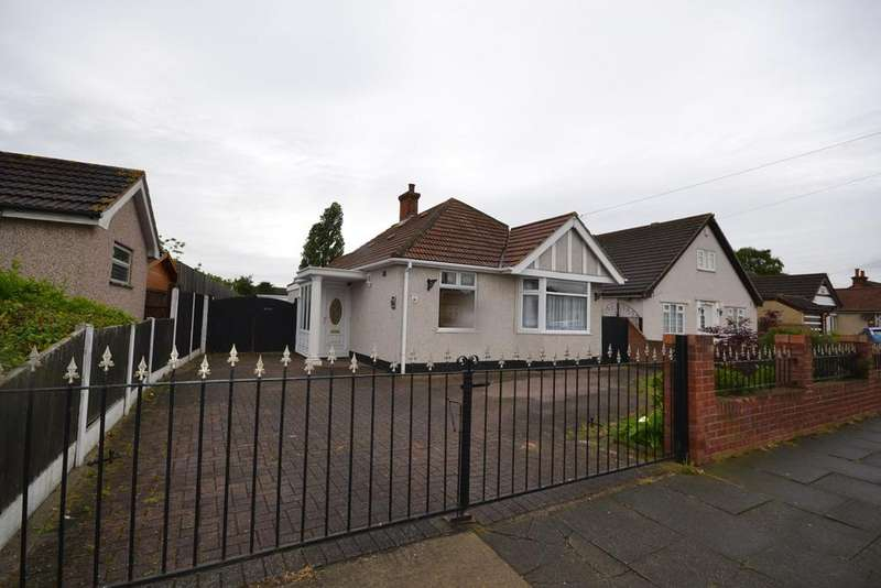 2 Bedrooms Detached Bungalow for sale in Blackshots Lane, Grays, RM16