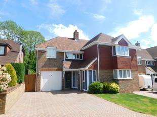 5 Bedrooms Detached House for sale in Avondale Court, Weavering, Maidstone, Kent