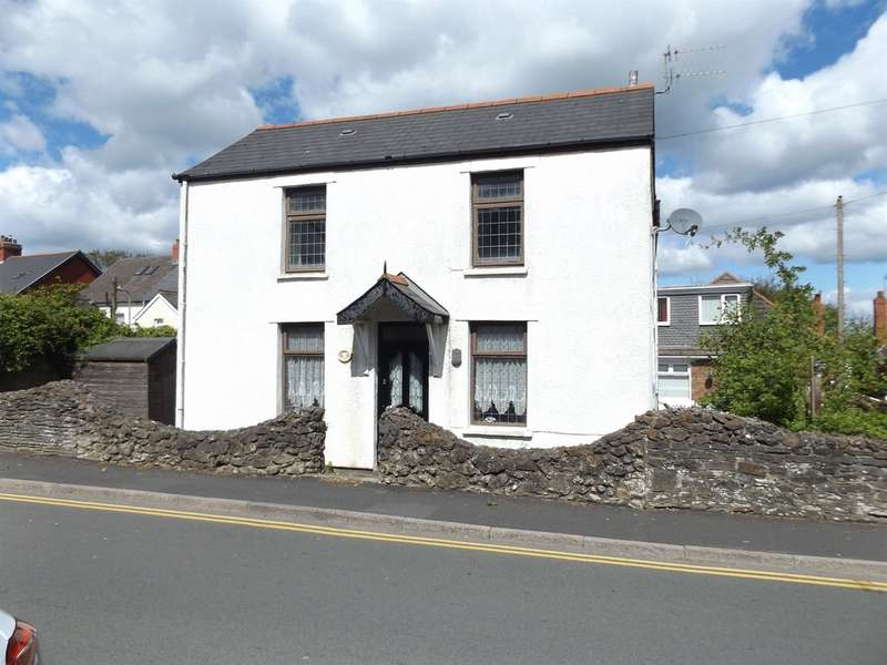 3 Bedrooms Detached House for sale in St Martins Road, Caerphilly
