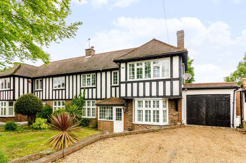 4 Bedrooms Semi Detached House for sale in London Lane, Bromley, BR1