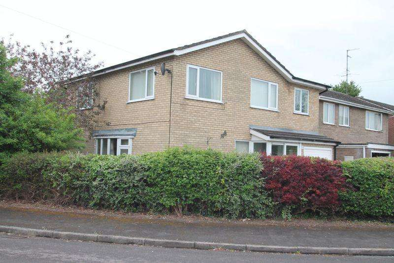 5 Bedrooms Detached House for sale in Helmsley Way, Spalding