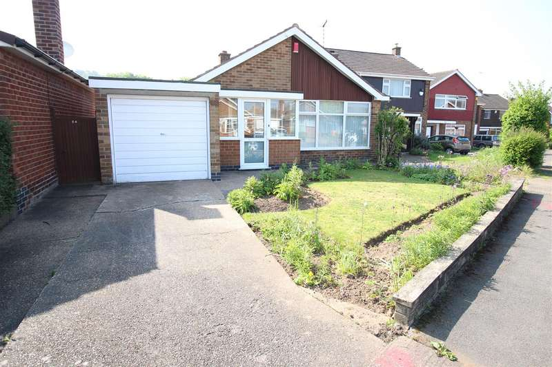 2 Bedrooms Bungalow for sale in Rufford Avenue, Bramcote