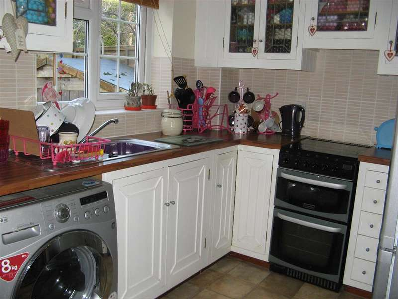 2 Bedrooms Terraced House for sale in The Copse, Southwater, Horsham, West Sussex