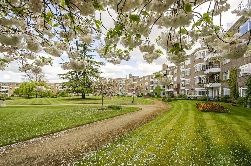 4 Bedrooms Flat for sale in Fairacres, Roehampton Lane, London, SW15