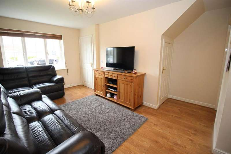 3 Bedrooms Semi Detached House for sale in Maybury Villas, Newcastle-upon-Tyne