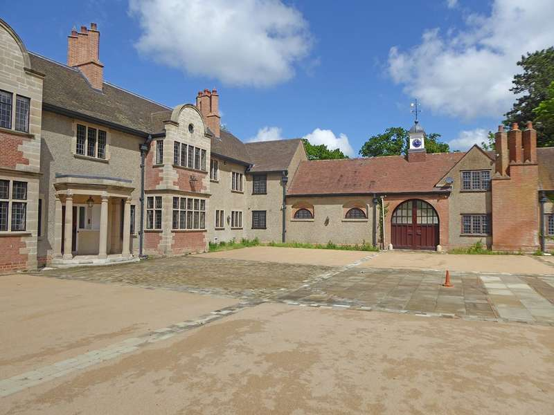 3 Bedrooms Apartment Flat for rent in The Apartment, Banbury Road, Warwick