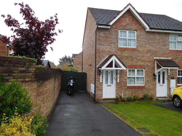 2 Bedrooms End Of Terrace House for sale in Kensington Park, Magor