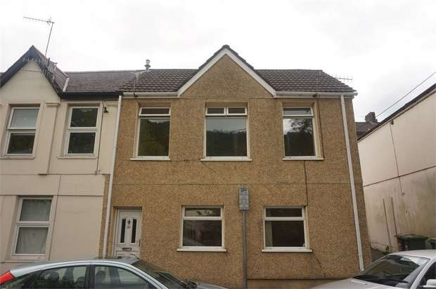4 Bedrooms Semi Detached House for sale in Bridge Street, Abercarn, NEWPORT, Caerphilly