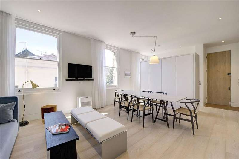 1 Bedroom Flat for sale in Roland Mansions, Old Brompton Road, South Kensington, London, SW7