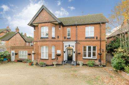 House for sale in Hitchin Road, Stevenage, Herts