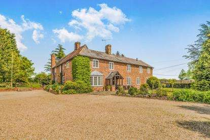 4 Bedrooms Detached House for sale in Bendish, Hitchin, Hertfordshire, England