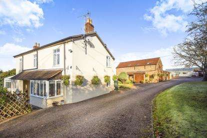 4 Bedrooms Detached House for sale in Old Gloucester Road, Hayden, Cheltenham, Gloucestershire
