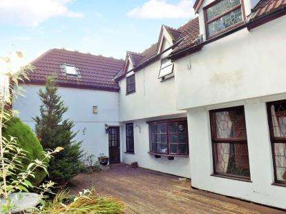 2 Bedrooms Flat for sale in Frenchay Park Road, Stapleton, Bristol