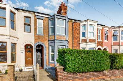 4 Bedrooms Terraced House for sale in Harborough Road, Northampton, Northamptonshire