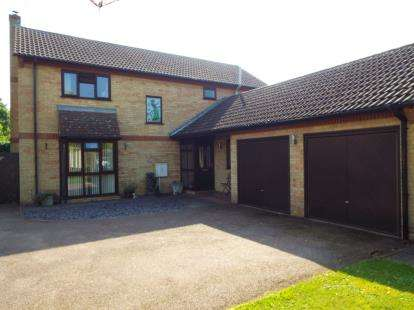 4 Bedrooms Detached House for sale in Boyce Close, Whittlesey, Peterborough, Cambridgeshire