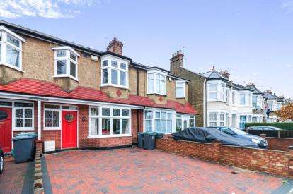 3 Bedrooms House for sale in South Terrace, Shelbourne Road, Tottenham, London