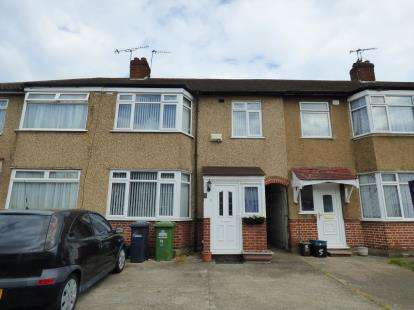 3 Bedrooms Link Detached House for sale in Sterling Avenue, Waltham Cross, Hertfordshire