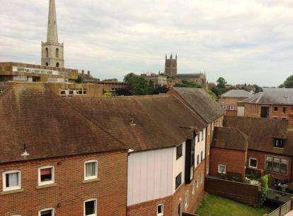1 Bedroom Flat for sale in Bridge Street, Worcester, Worcestershire