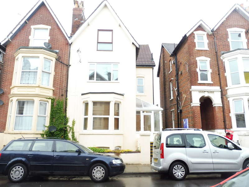 1 Bedroom Flat for sale in Waverley Grove, Southsea