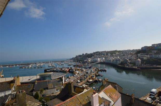 2 Bedrooms Flat for sale in Castle House, Overgang, Brixham, Devon