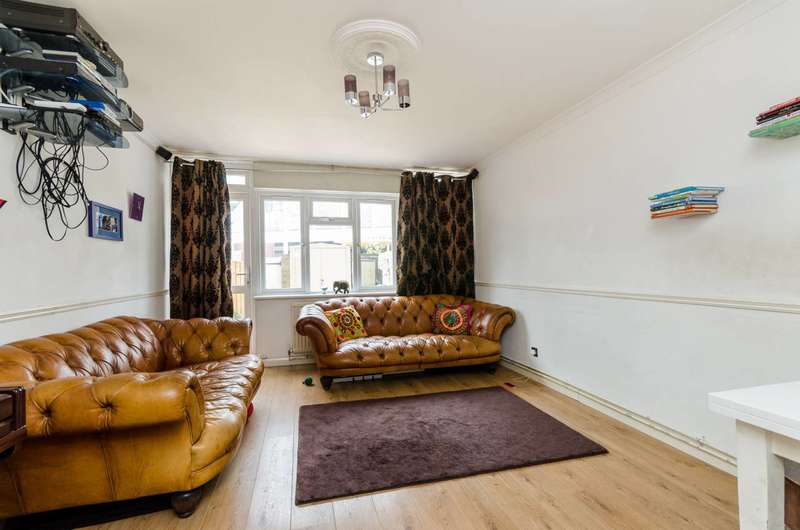 2 Bedrooms Maisonette Flat for sale in Peterborough Road, Fulham, SW6