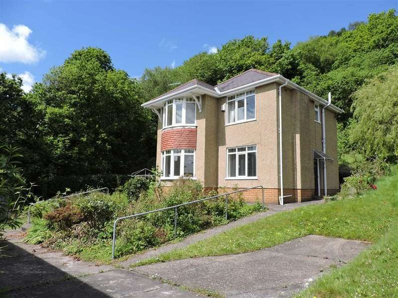 3 Bedrooms Detached House for sale in Davies Road, Pontardawe
