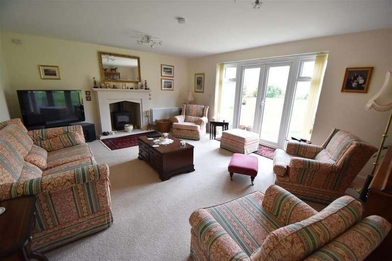 5 Bedrooms Property for sale in 1 Ross Crescent, Inkberrow