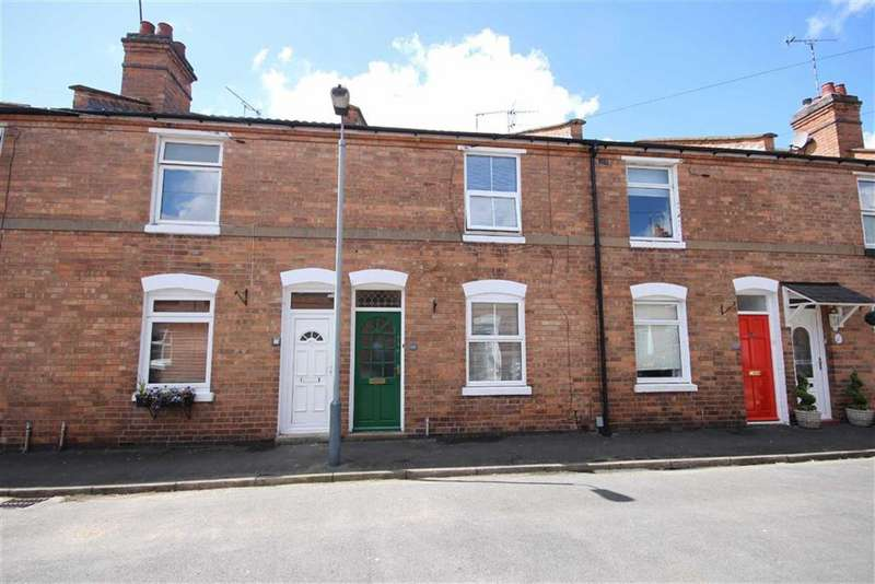 3 Bedrooms Property for sale in Meadow Road, Warwick, CV34