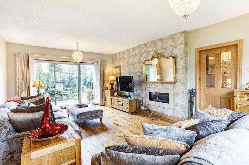 4 Bedrooms Detached House for sale in Birch Road, Congleton
