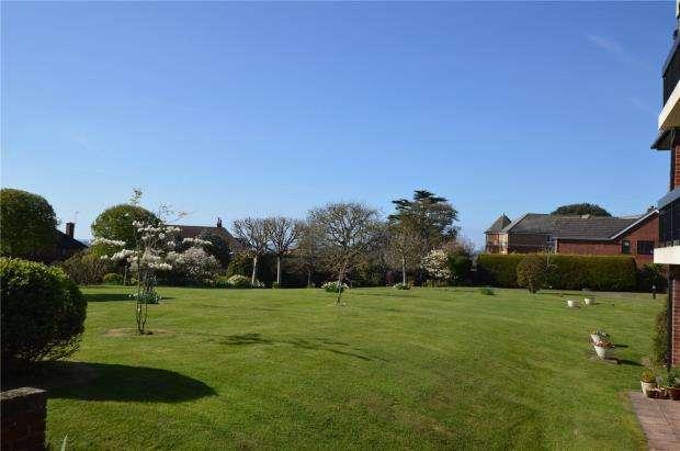 2 Bedrooms Flat for sale in Meresyke, 13 Cranford Avenue, Exmouth, Devon