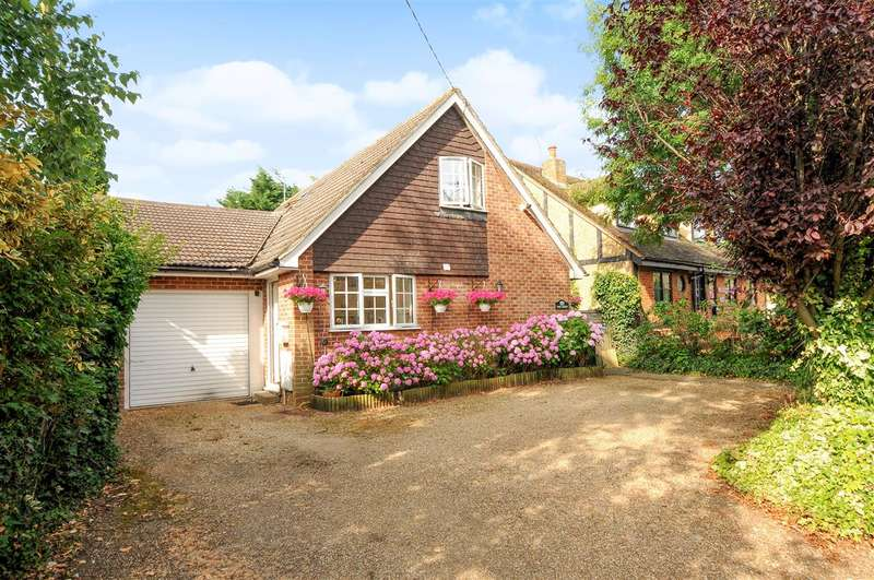 3 Bedrooms Detached House for sale in The Croft, Rosemary Lane, Thorpe Village