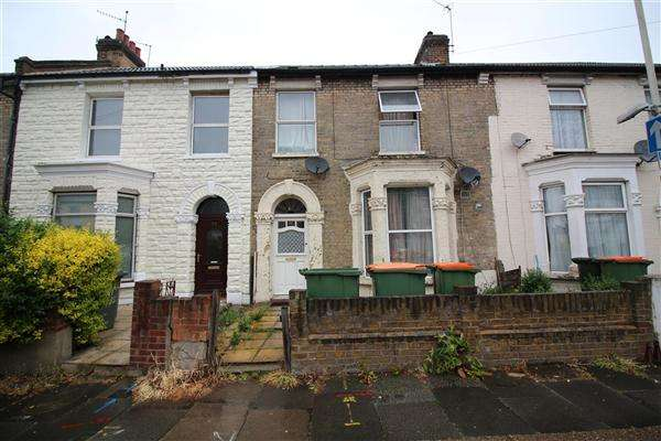 4 Bedrooms Terraced House for sale in Carlyle Road, Manor Park