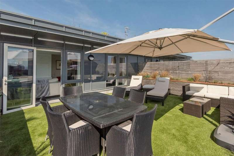 3 Bedrooms Flat for sale in Embankment House, Fleet Street, Central Brighton
