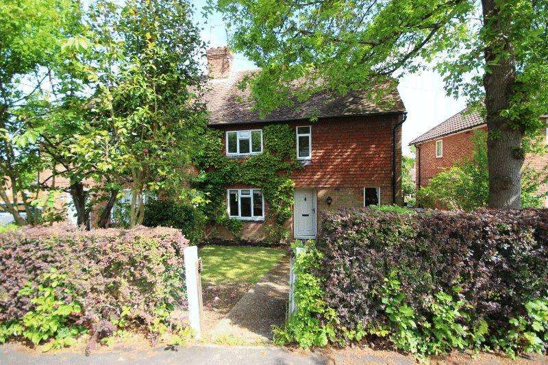 3 Bedrooms Semi Detached House for sale in Washington Road, Haywards Heath