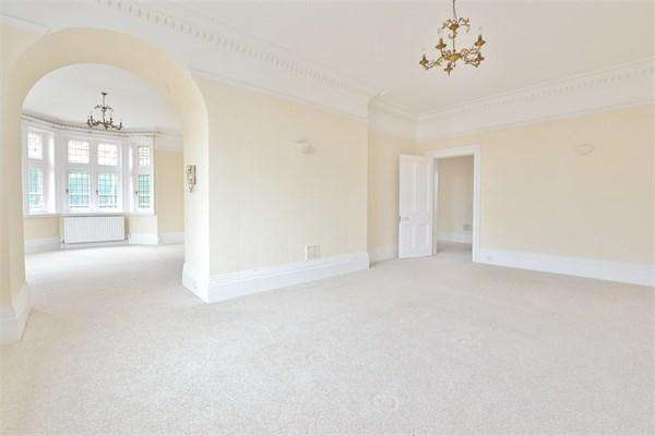 4 Bedrooms Apartment Flat for sale in The Drive, HOVE, BN3