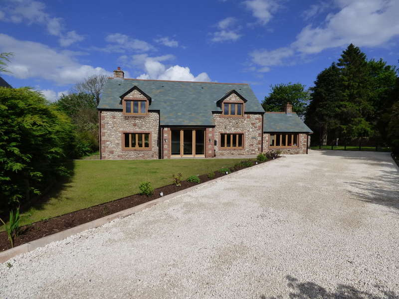 4 Bedrooms Detached House for sale in Ghyllcrest, Kirkby Stephen
