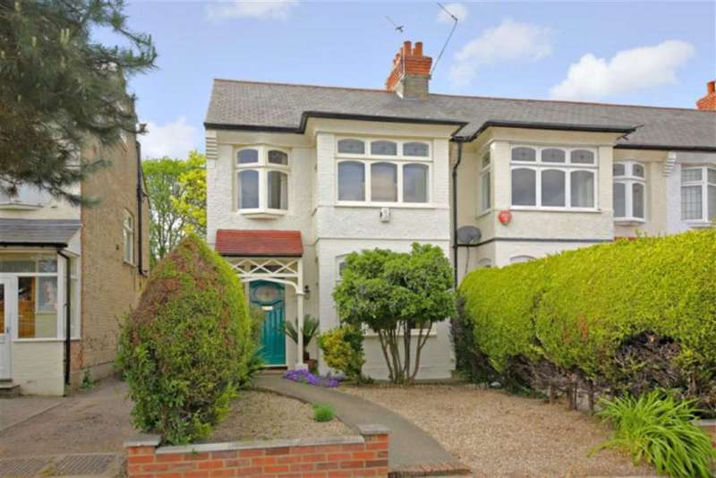 3 Bedrooms Property for sale in Firs Lane, Winchmore Hill, London