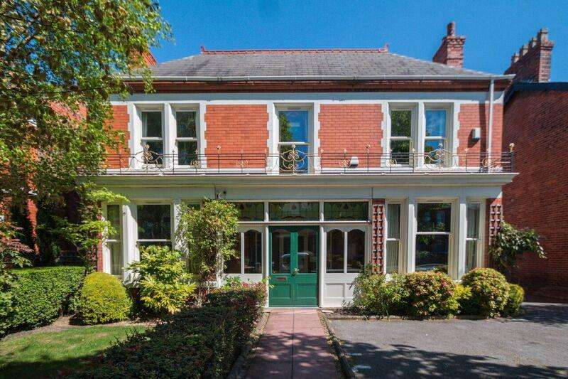 6 Bedrooms Property for sale in London Road, STOCKTON HEATH, Warrington, WA4