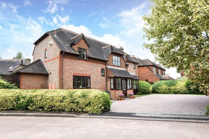 5 Bedrooms Detached House for sale in Burtons Gardens, Old Basing, Basingstoke, RG24