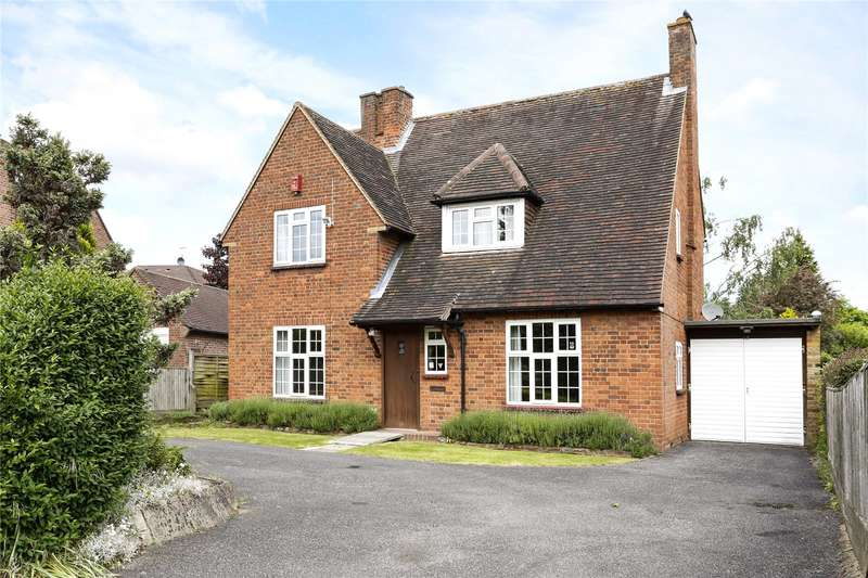 4 Bedrooms Detached House for sale in Caledon Road, Beaconsfield, Buckinghamshire, HP9