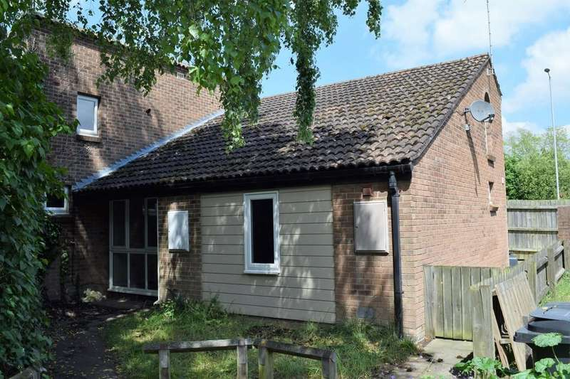 2 Bedrooms Semi Detached House for sale in Tithing Close, Thetford