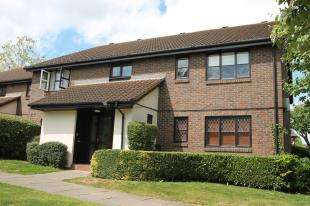 Flat for sale in Sprucedale Close, Swanley, Kent